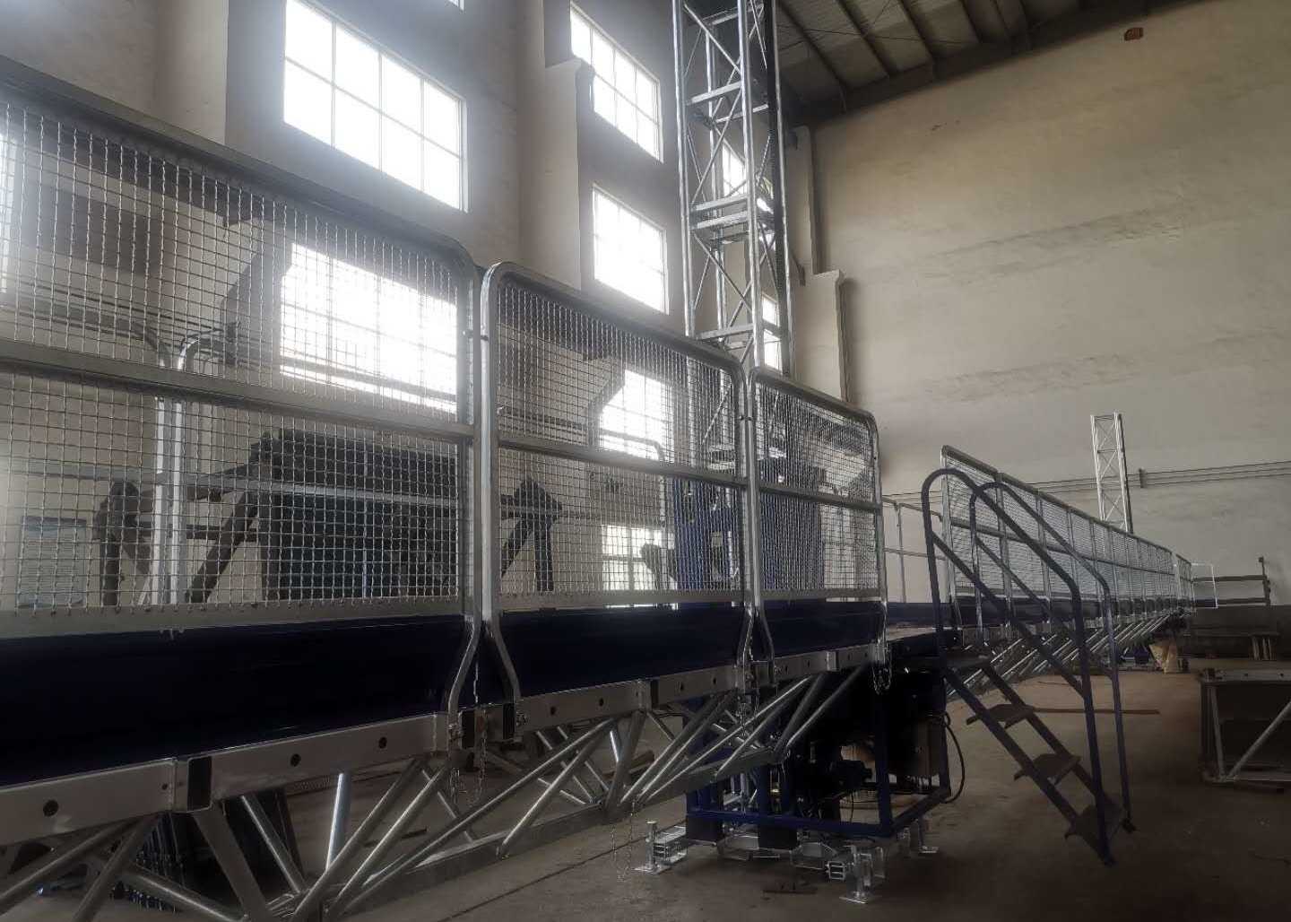 Building Cleaning Mast Climbing Work Platform Building Construction Equipment